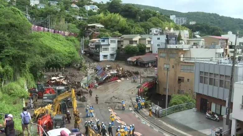 تواصل جهود الإنقاذ من الانهيارات الأرضية في اليابان