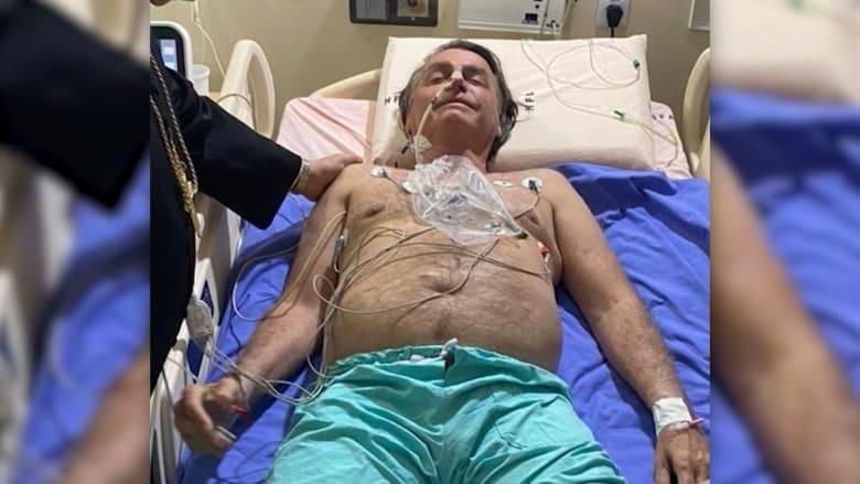 """بعد معاناته من """"زغطة"""" مستمرة.. بولسونارو ينشر صورة له من على سرير مستشفى"""