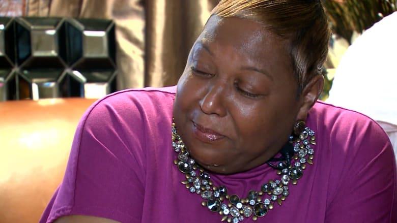 """أم تناشد الناس لتلقي لقاح كورونا بعد وفاة ابنتها: """"تجنبوا الخسارة التي أشعر بها"""""""