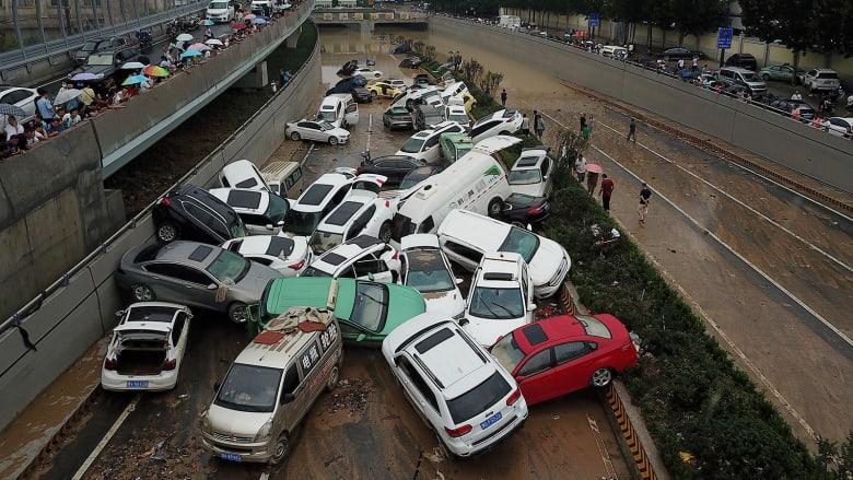 أضرار بملايين الدولارات.. شاهد آثار الفيضانات المدمرة في الصين