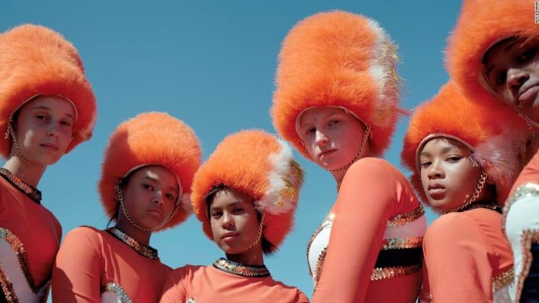 مصورة تعكس طاقة وطموح فرق الطبول النسائية في جنوب أفريقيا