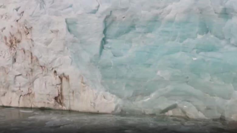 قد يهدد الأرض.. شاهد ذوبان جبل جليدي عملاق يكفي لغمر فلوريدا بأكملها في غرينلاند