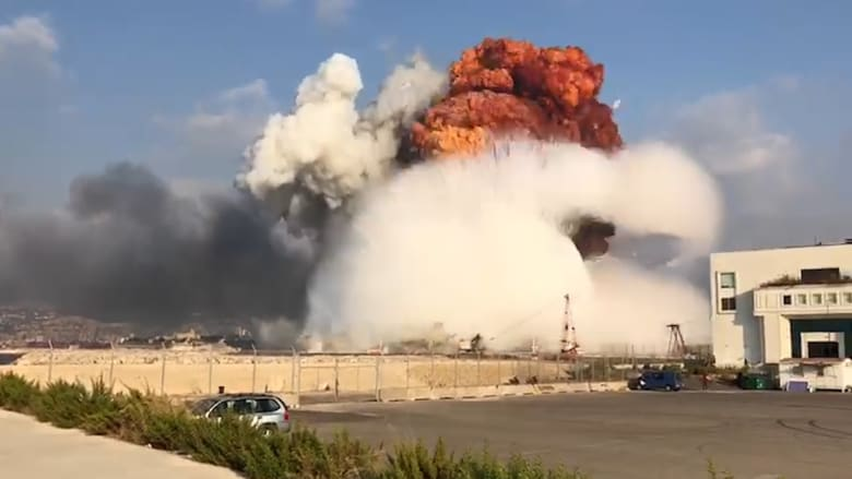بعد مرور عام.. مشاهد مخيفة وثقتها الكاميرا لحظة وقوع انفجار بيروت