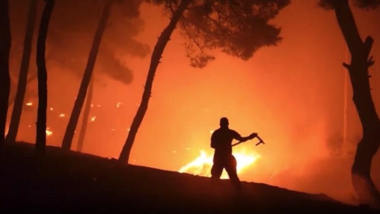 حرائق اليونان.. مشهد مخيف لجدار لهب برتقالي يحاصر أثينا