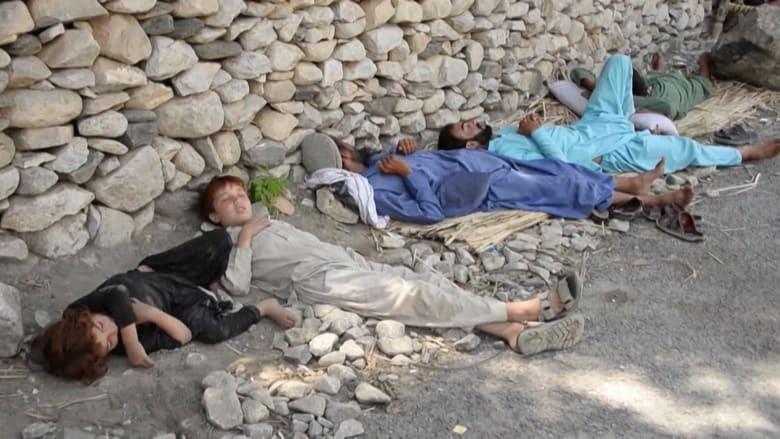 مع تحركات وانتشار طالبان.. هكذا يلجأ الأفغان إلى الأمان