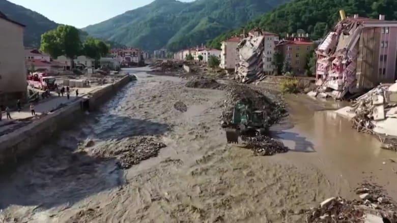 مع استمرار عمليات الإنقاذ.. أضرار جسيمة من الفيضانات القاتلة في تركيا