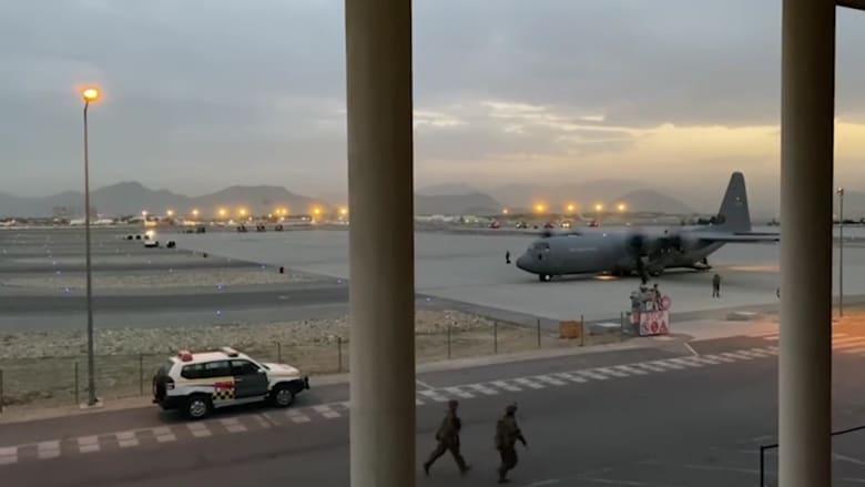 مراسل CNN يأخذ جولة في مطار كابول.. هذا ما رآه