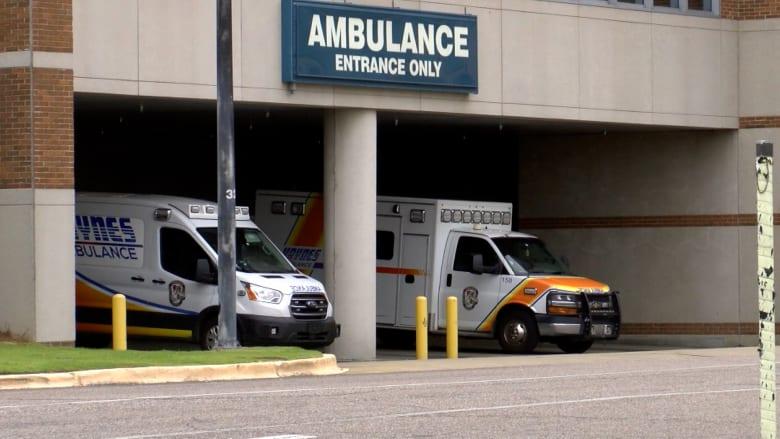 """""""وكأنها نهاية العالم"""".. طبيبة تصف حالة المستشفيات في ألاباما الأمريكية بسبب كورونا"""