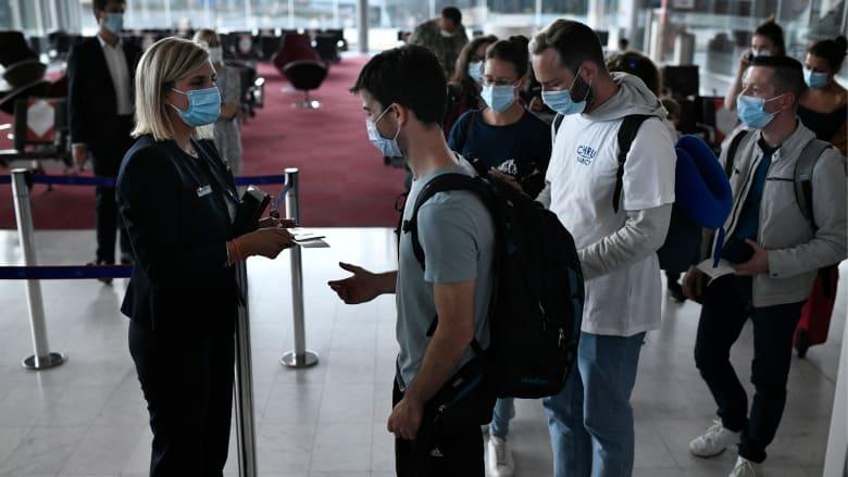 ماذا يحدث إذا سافرت للخارج وعلقت في الحجر الصحي بسبب فيروس كورونا؟ إليك بعض النصائح لحماية نفسك أثناء السفر