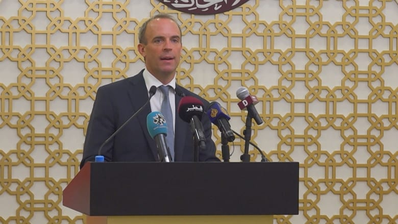 هل تشعر بالذنب تجاه من تركتموهم بأفغانستان؟.. وزير خارجية بريطانيا يرد على CNN