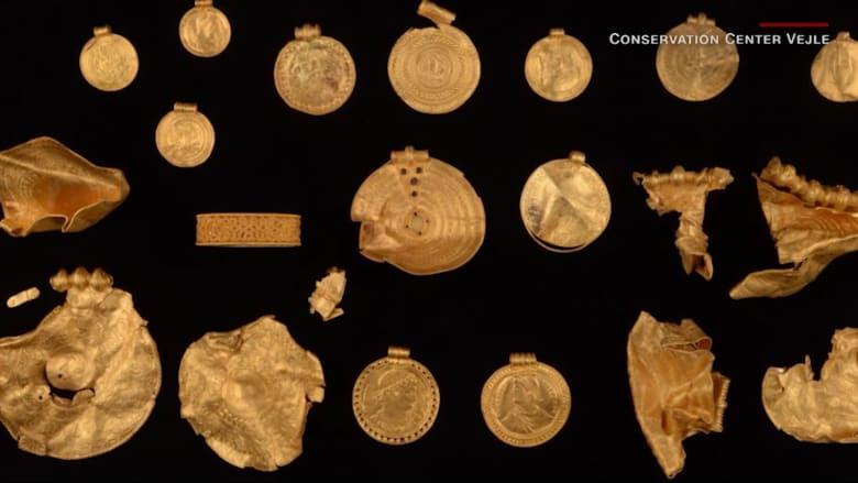 هاو مبتدئ يكتشف خلال ساعات فقط كنزًا من الذهب في الدنمارك