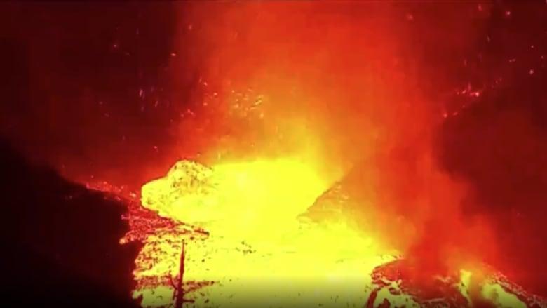 حمم تضئ الليل وأصوات مخيفة.. بركان لا بالما الإسبانية يدخل مرحلة خطيرة
