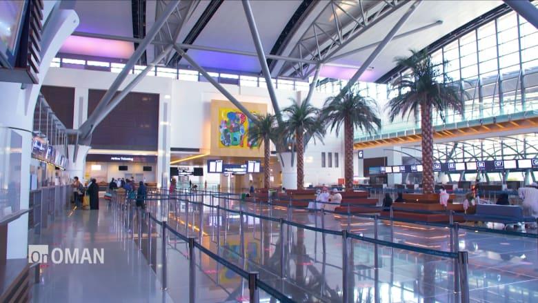 """من العمارة والفن إلى رائحة المطارات.. """"الطيران العُماني"""" يعرض ثقافة وتراث عمان لجذب السياح للبلاد"""