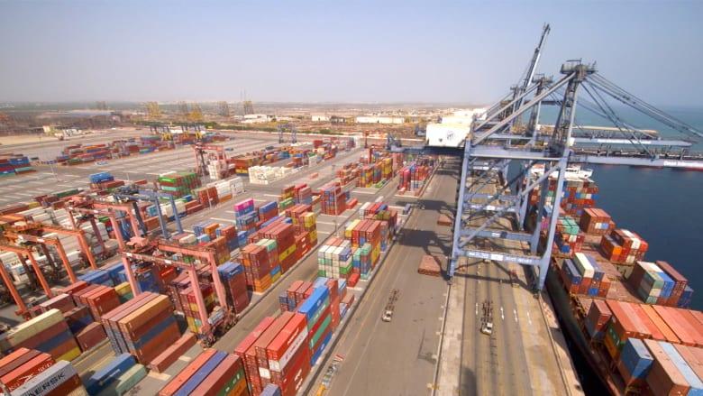 هذا الميناء في عُمان يربط بين الشرق والغرب في العالم