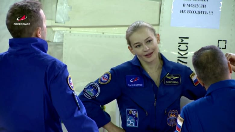 """في خطوة فريدة.. ممثلة روسية تتجه إلى الفضاء لتصوير أول فيلم """"بين النجوم"""" مع ناسا"""