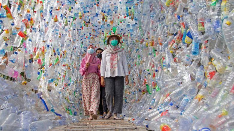 متحف إندونيسي مصنوع بالكامل من البلاستيك المستخدم.. ما رسالته؟