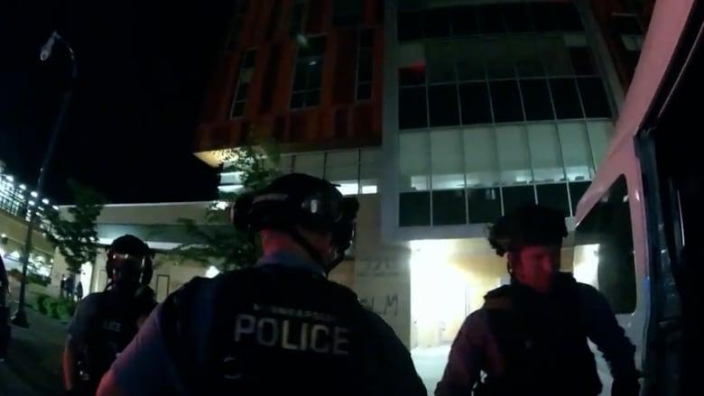 كاميرا ترصد تخطيط أفراد شرطة أمريكيين لـ