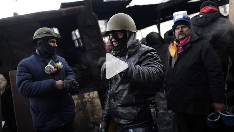 متظاهرو أوكرانيا يستعدون للمعركة