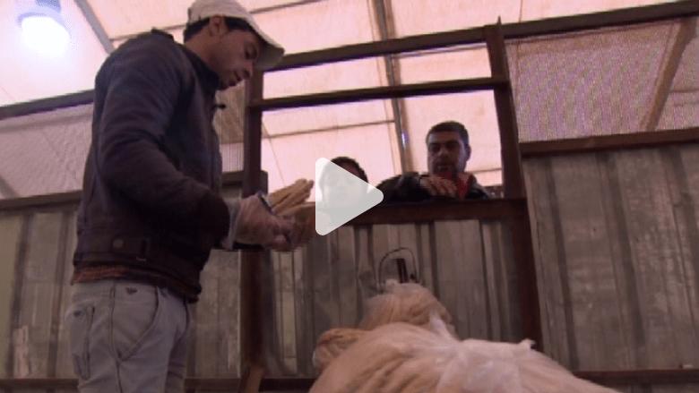 بالفيديو .. البراميل تلاحق رغيف الخبز في سوريا