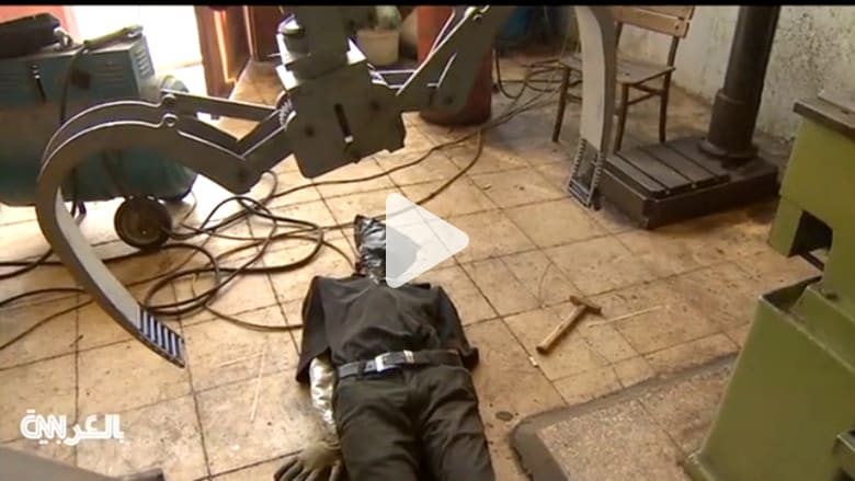 سوريان يصممان روبوتاً لإنقاذ ضحايا نيران القناصة