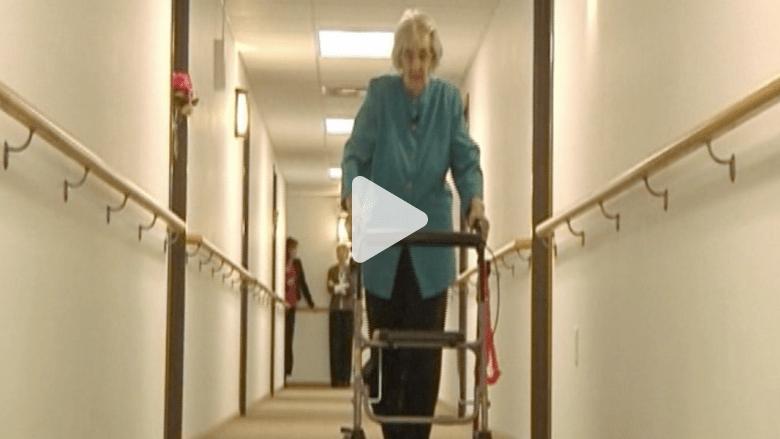 عمرها 100 عام وتسير 4 ساعات يومياً .. فما هو السر؟