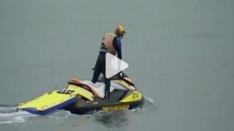 بالفيديو.. قرش يهاجم أسترالية ويسحبها تحت المياه