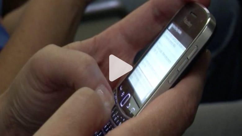 كيف يمكن أن يتسبب هاتفك المحمول بإسقاط طائرة؟