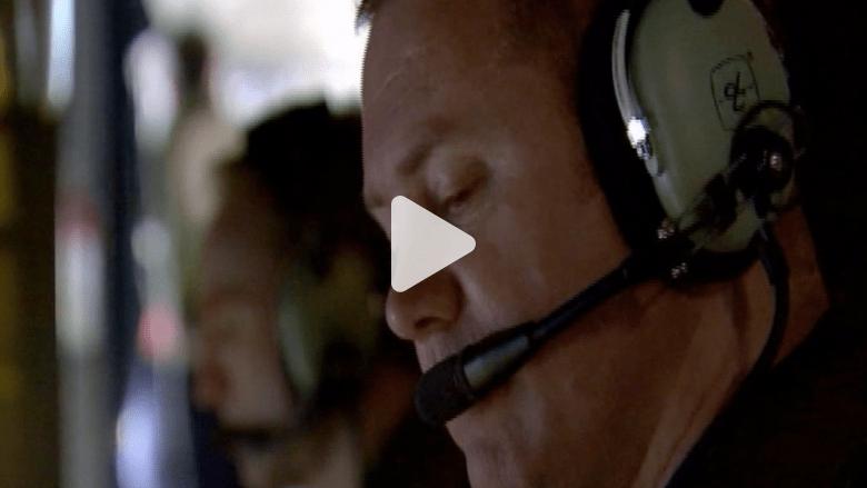بالفيديو.. أهالي ركاب الماليزية يستمعون لآخر حديث مع الطائرة المفقودة