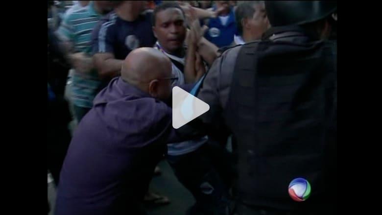 البرازيل.. عمال المجاري والمياه يستغلون كأس العالم لتحقيق مطالبهم