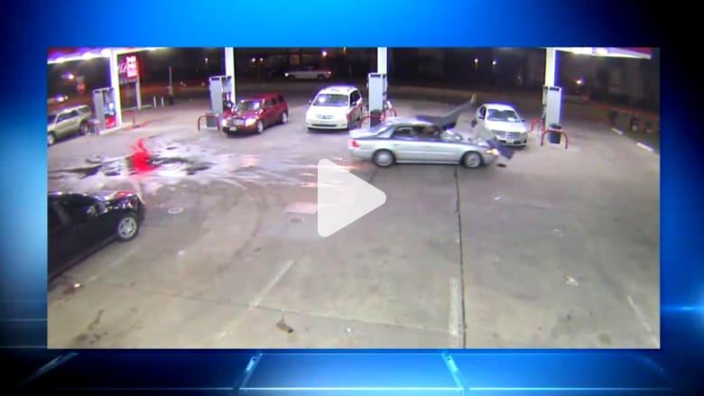 غضبت فصدمت رجلين بسيارتها ثمّ فرّت