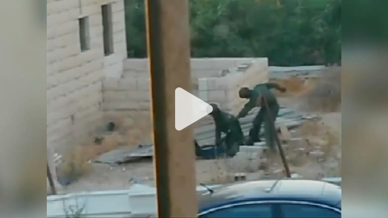 فيديو يظهر ضرب الشرطة الاسرائيلية لشاب فلسطيني