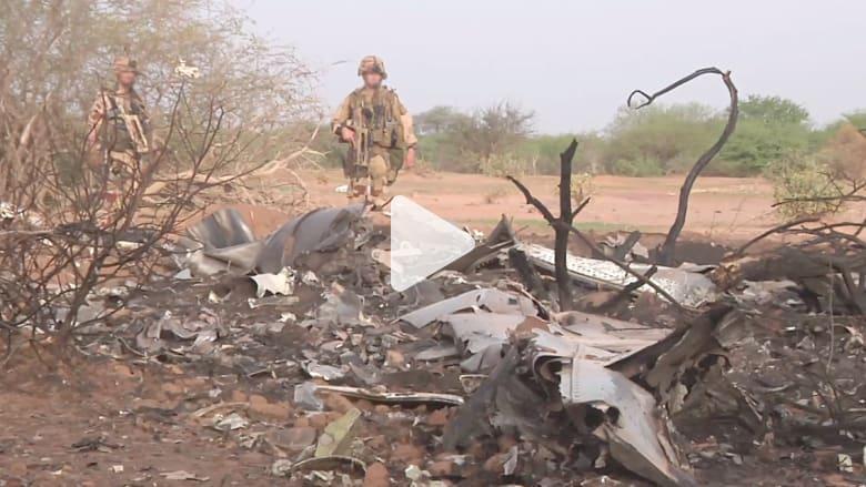 هولاند: لن نستبعد أي فرضية لتحطم الطائرة الجزائرية حتى نعرف الحقيقة