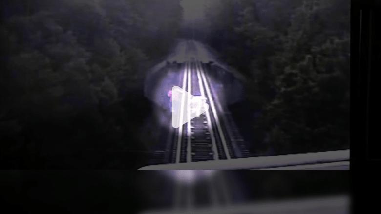 بالفيديو: سيدتان تنجوان بأعجوبة من الدهس بالقطار