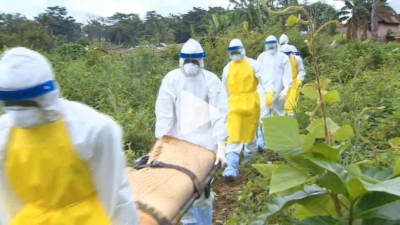 في قرية قضى عليها إيبولا.. الجنازات بلا مشيعين ومن دون طقوس