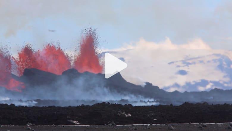 "شاهد تدفق الحمم من بركان ""بارداربونغا"""