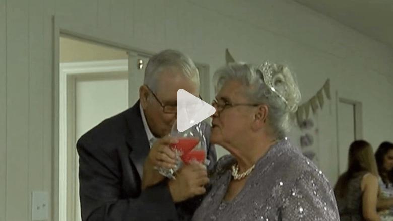 عاشقان يتزوجان بعد 63 عاما من الفراق