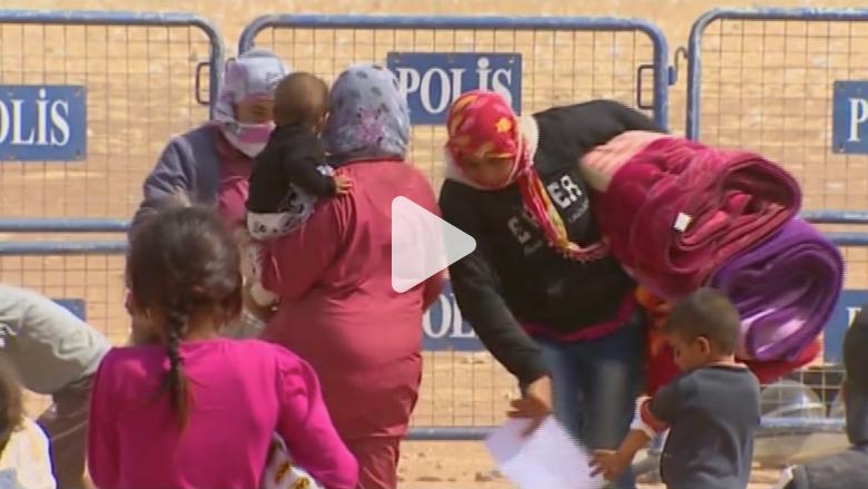 100000 لاجئ سوري إلى تركيا في يومين وCNN ترصد تدفقهم