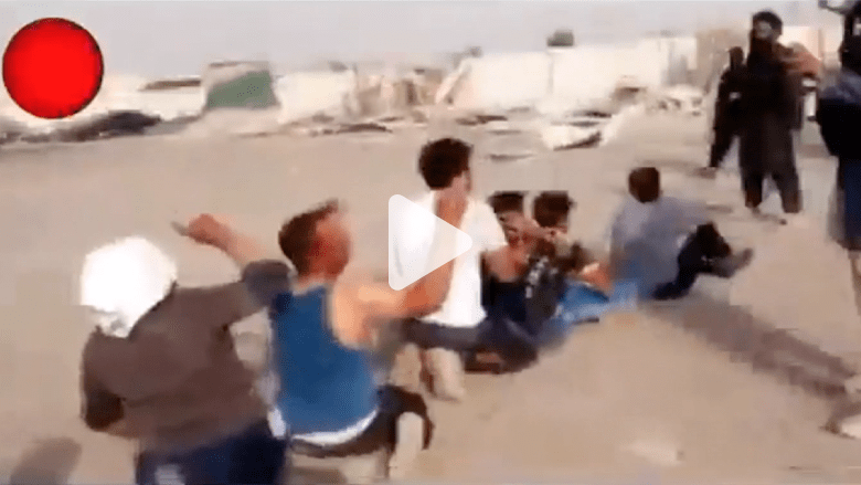 فيديو يظهر اعتقال داعش لـ 11 رجلا من قبيلة البونمر