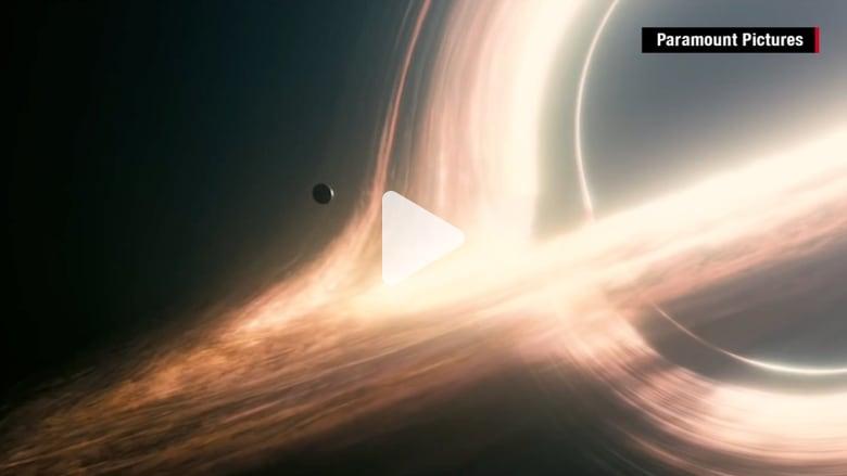 رحلة بين المجرات عبر الفضاء والزمن
