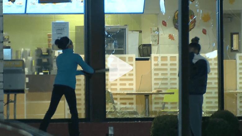 أعمال شغب عنيفة في فيرغسون بعد الحكم بقضية مقتل شاب أسود