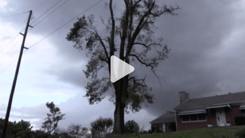 بالفيديو.. إعصار قوي ينشر الدمار في ولاية كنتاكي