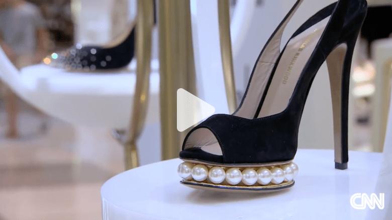 فقط في دبي.. أكبر متجر للأحذية في العالم في أكبر مولات العالم