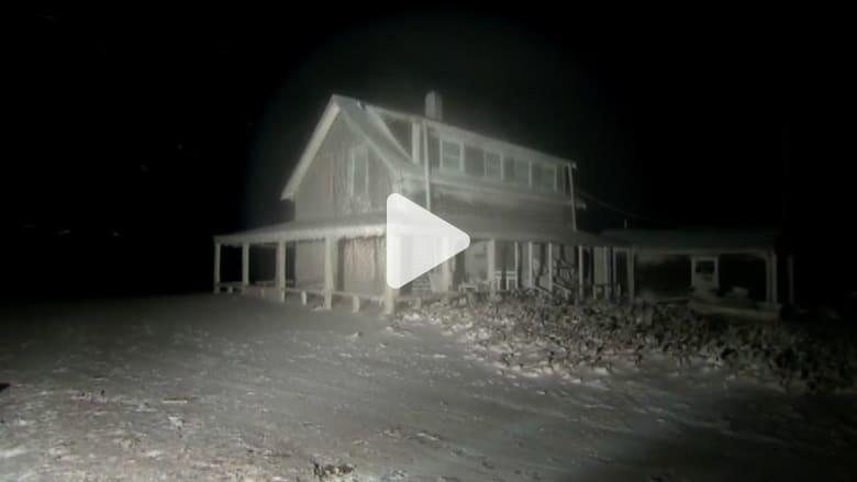 بالفيديو.. منزل يتحول لبلورة جليدية جراء العاصفة التي تجتاح أمريكا