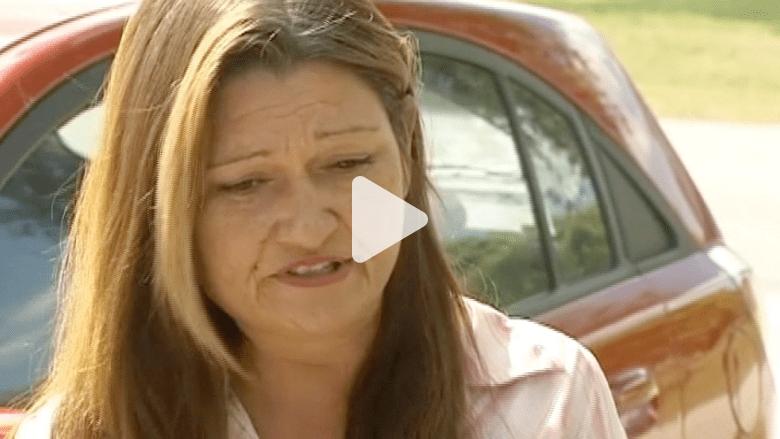 محاكمة أم استخدمت مكابح السيارة لإسكات أبنائها