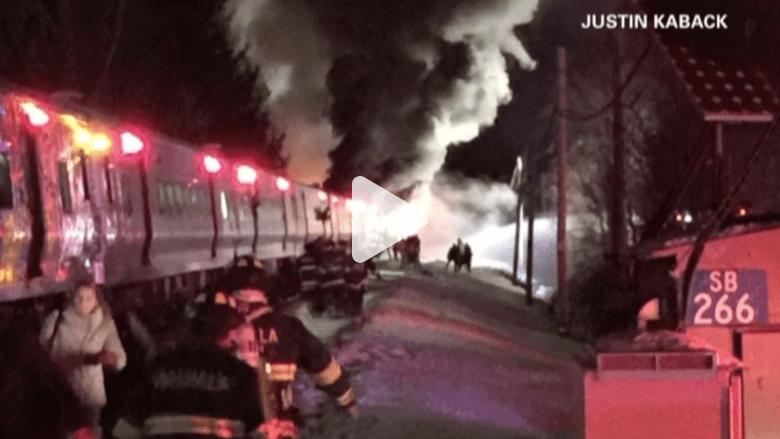 بالفيديو.. قطار يسحق سيارة في أسوأ حادث لخطوط مترو شمال نيويورك