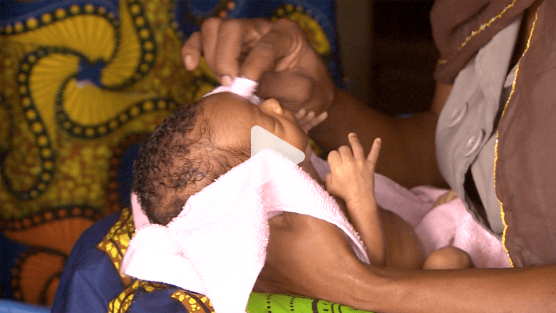 فقراء نيجيريا يحتضنون بعضهم فرارا من جرائم بوكوحرام
