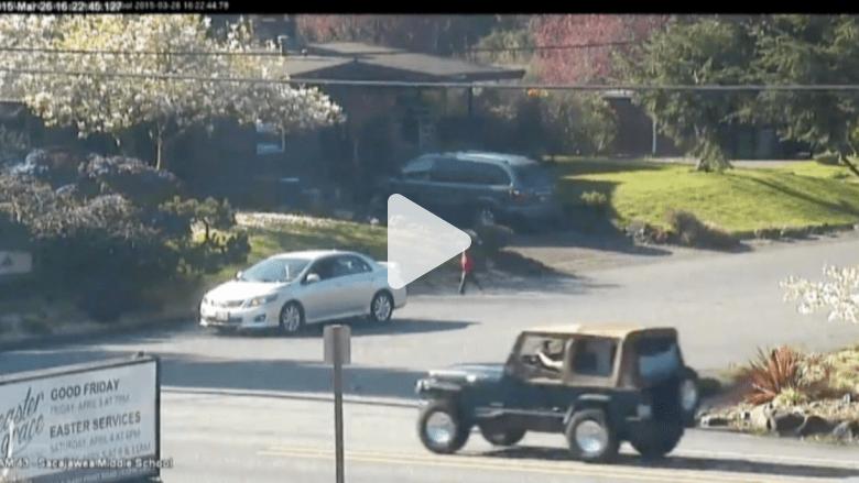 بالفيديو.. كلب بأربع قوائم اصطناعية.. وسائق ينقذ طفلا من الموت