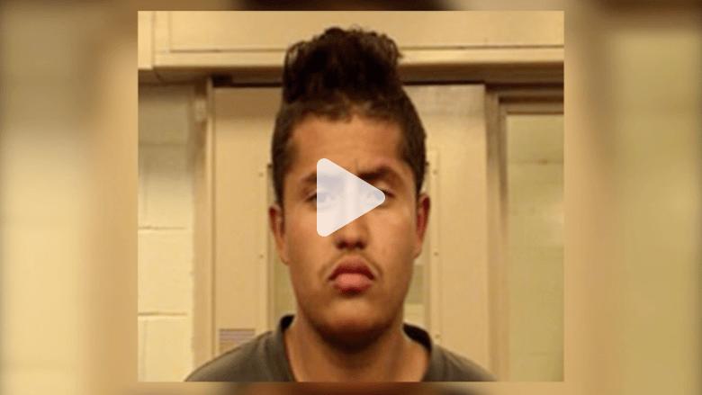شاب ينجو من المحاكمة على 20 جريمة ارتكبها بيوم واحد منها سرقة والدته