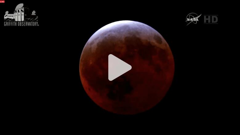 فيديو فاصل زمني لأقصر خسوف قمر منذ قرن