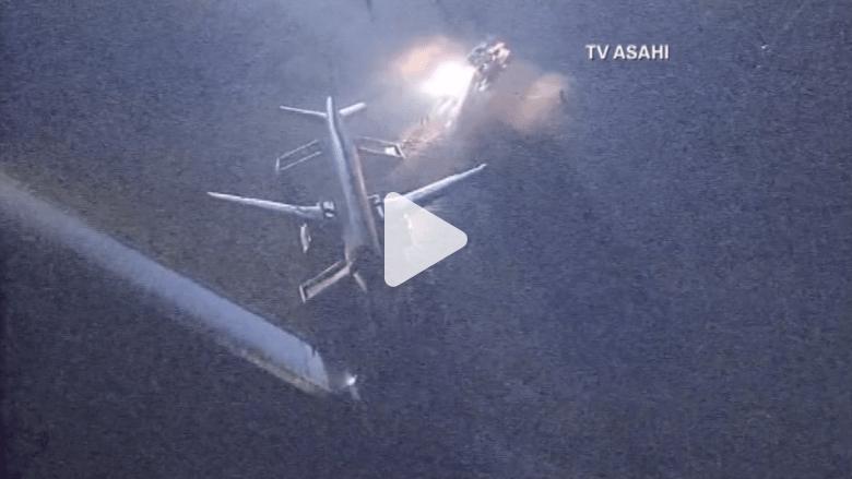"""شاهد بالفيديو.. انزلاق طائرة """"آسيانا 162"""" أثناء هبوطها بمطار هيروشيما"""